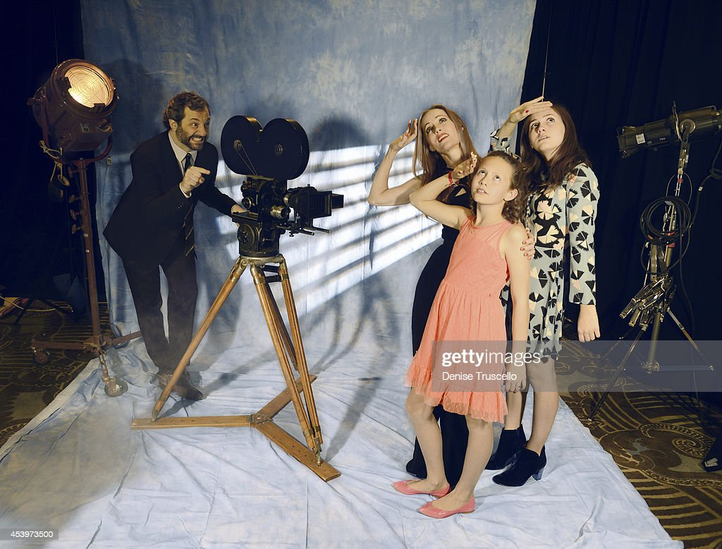 Cinema Con Portraits, People Magazine, March 28, 2014 : News Photo