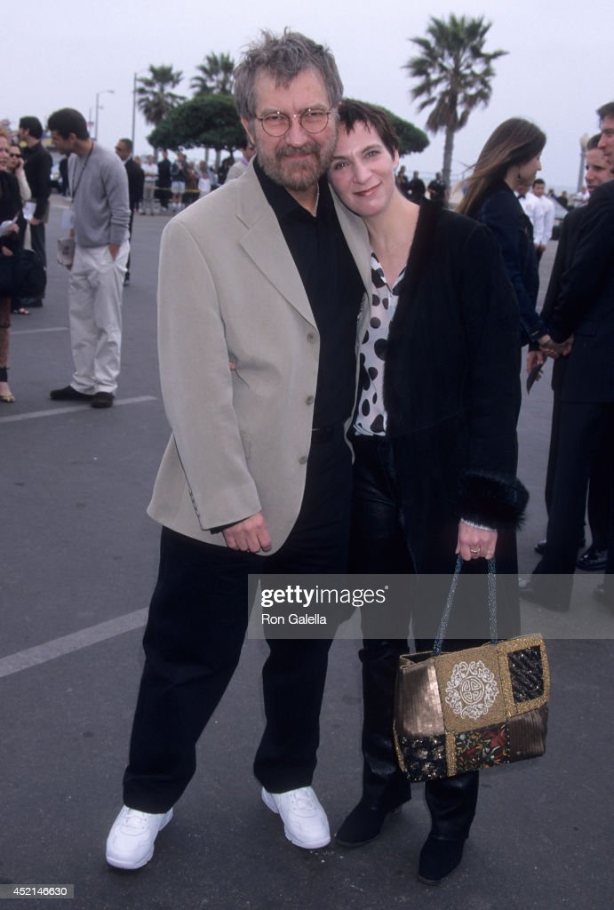Filmmaker Tobe Hooper and actress Amanda Plummer attend the 16th Annual IFP/West Independent Spirit Awards on March 24, 2001 at Santa Monica Beach in Santa Monica, California.