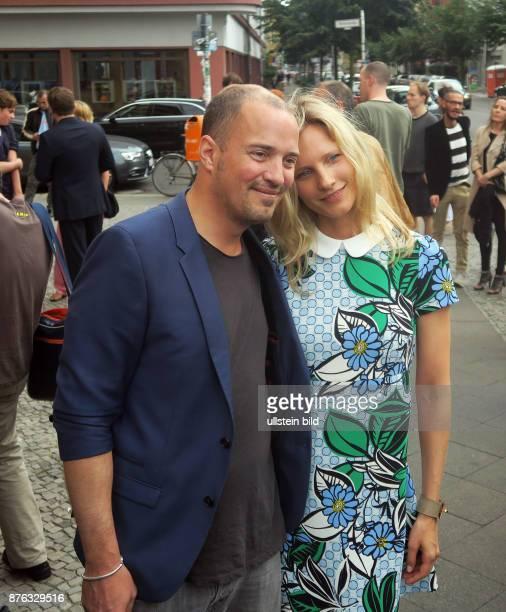 Filmproduzent Patrick Wolff und Freundin Kathrin Seitz aufgenommen bei der Premiere des Films Treppe Aufwärts im Kino Babylon in Berlin Mitte