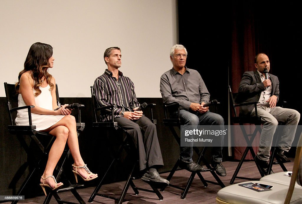 "Los Angeles Premiere Of ""RACING EXTINCTION"" : News Photo"