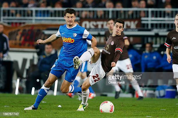 Fin Bartels of Pauli and Marcel Maltritz of Bochum battle for the ball during the 2 Bundesliga match between FC St. Pauli and VfL Bochum at...