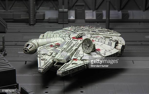 final loading - han solo stock pictures, royalty-free photos & images