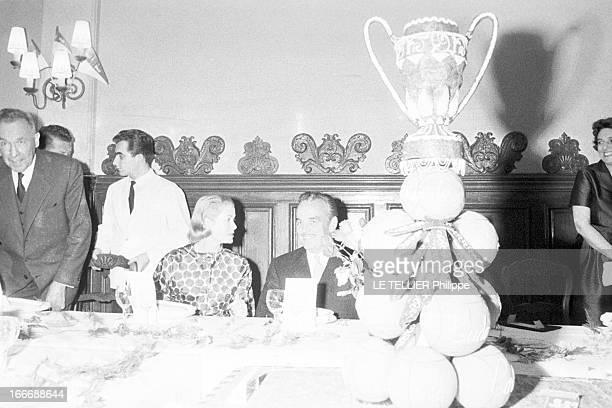 Monaco Vs Saint Etienne Colombes le 16 mai 1960 après la finale de la coupe de France de football au stade olympique YvesduManoir entre l'AS Monaco...