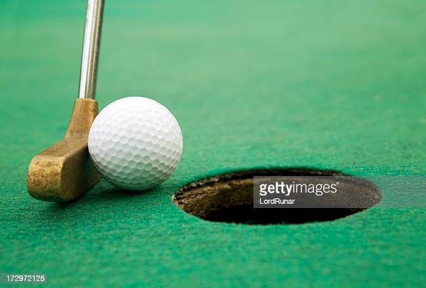 final putt - smooth stock pictures, royalty-free photos & images