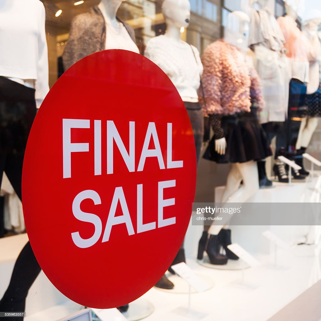 final sale sign at a shop window : Stock Photo