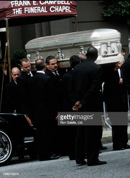Final Wake for Aaliyah during Final Wake for SingerActress Aaliyah August 31 2001 at Frank E Campbell Funeral Chapel in New York City New York United...