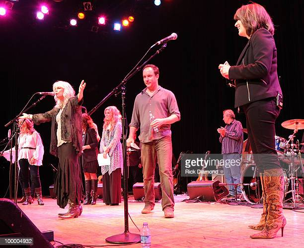 Finale Brandon Young Emmylou Harris Patty Loveless Alison Krauss Patty Griffin Big Kenny Dave Matthews and Kathy Mattea perform during the 'Music...