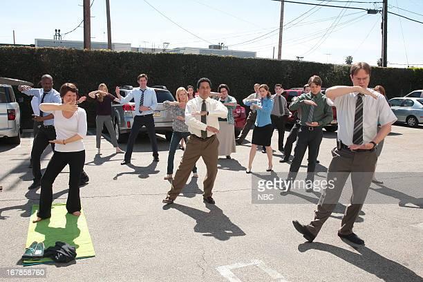 "Finale"" Episode 924/925 -- Pictured: Kate Flannery as Meredith Palmer, John Krasinski as Jim Halpert, Angela Kinsey as Angela Martin, Oscar Nunez as..."