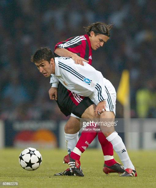 Finale Glasgow BAYER 04 LEVERKUSEN REAL MADRID 12 REAL MADRID CHAMPIONS LEAGUE SIEGER 2002 Boris ZIVKOVIC/LEVERKUSEN RAUL/MADRID