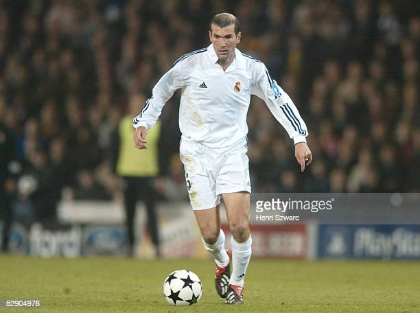 Finale Glasgow BAYER 04 LEVERKUSEN REAL MADRID 12 REAL MADRID CHAMPIONS LEAGUE SIEGER 2002 Zinedine ZIDANE/MADRID