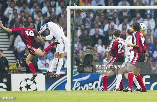 Finale in Glasgow BAYER 04 LEVERKUSEN REAL MADRID TOR zum 11 LUCIO/LEVERKUSEN