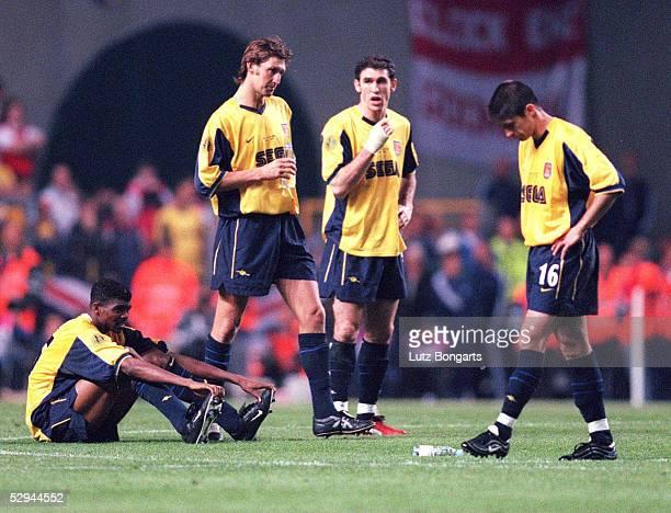 Finale in Kopenhagen; GALATASARAY ISTANBUL - ARSENAL LONDON 4:1 n.E.; GALATASARAY ISTANBUL UEFA POKALSIEGER 2000; ENTTAEUSCHUNG KANU, Tony ADAMS,...