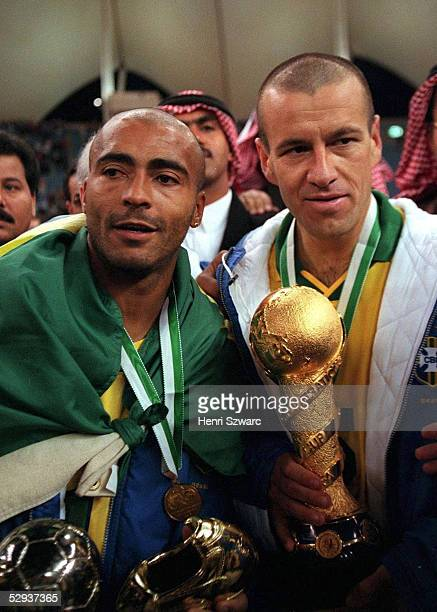 Finale in Saudi Arabien am 221297 Jubel ROMARIO und Carlos DUNGA/BRA mit Pokal