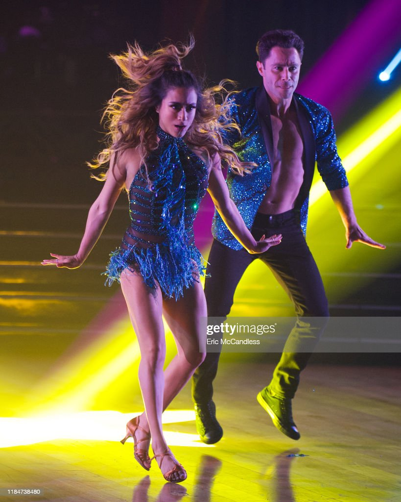 "ABC's ""Dancing With the Stars"" - Season 28 - Finale : News Photo"