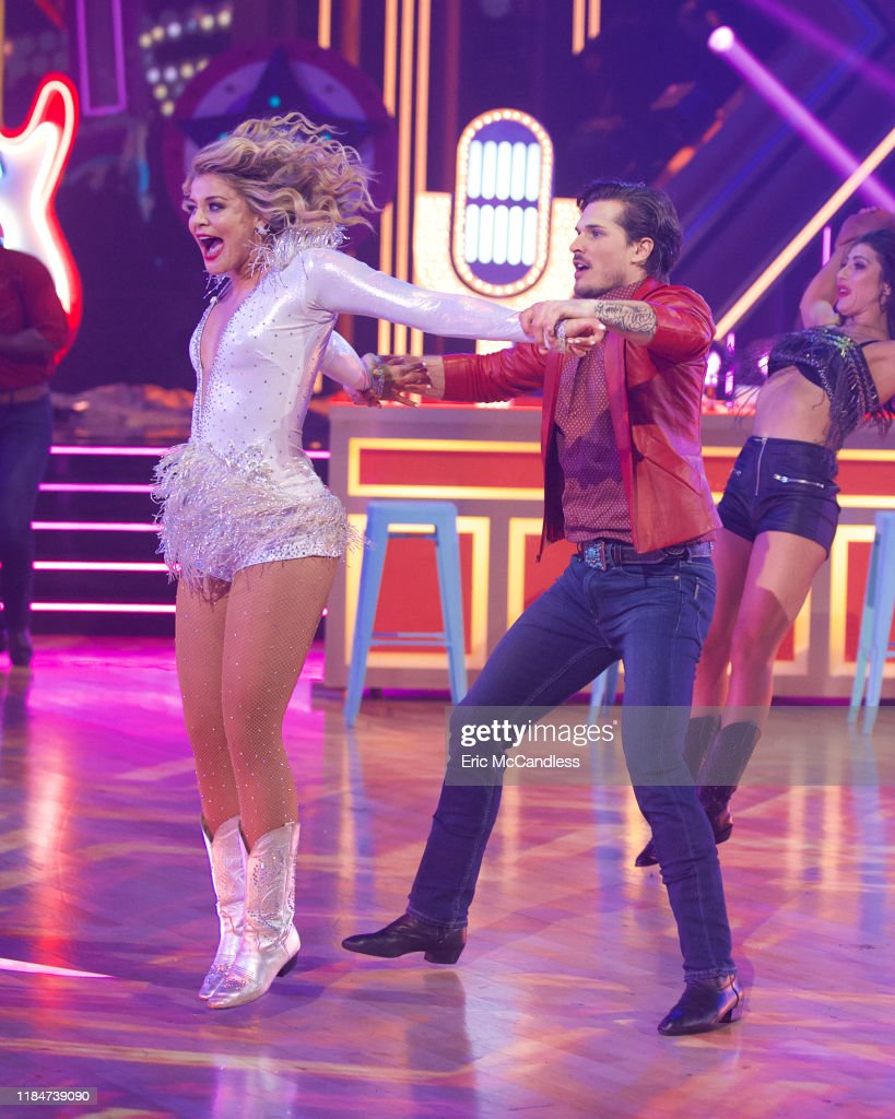 """ABC's """"Dancing With the Stars"""" - Season 28 - Finale : News Photo"""