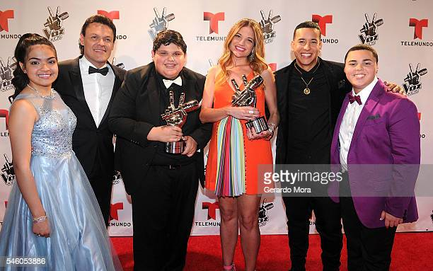 Finalist Alejandra Gallardo singer Pedro Fernandez 'La Voz Kids' winners Christopher Rivera and Natalia Jimenez Daddy Yankee and Axel Cabrera pose...