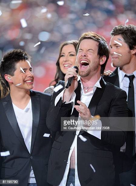 Finalist David Cook is announced as the winner of season 7 on stage at the American Idol Season 7 Grand Finale on May 21 2008 at the Nokia Theatre in...