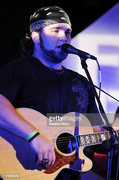 Finalist Johnny Bulford performs during the Florida Grammy Showcase on April 9 2008 in Orlando Florida