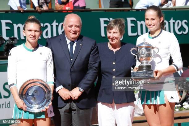 Finalist Simona Halep, President of French Tennis Federation Bernard Giudicelli, former Tennis champion Francoise Durr and Winner of the Women Final,...