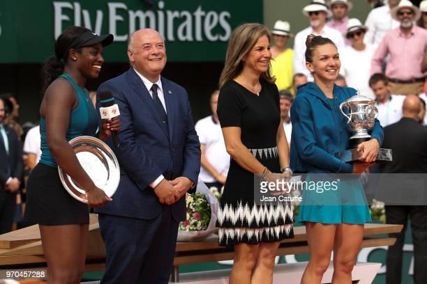 Finalist Sloane Stephens of USA presenter Arantxa Sanchez Bernard Giudicelli President of French Tennis Federation FFTwinner Simona Halep of Romania...