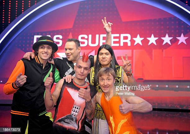 Finalists Miroslav Zilka Mark Ashley Joerg Perreten Leo Santillan Rojas and Oleksandr Yenivatov celebrate after reaching the final of 'Das...