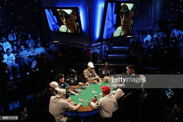 World series of poker final table photos et images de collection getty images - Final table world series of poker ...