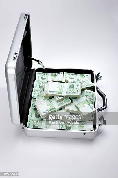 Finance, bills