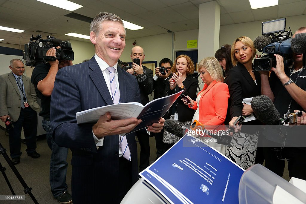 2014 New Zealand Budget Printed In Wellington : ニュース写真