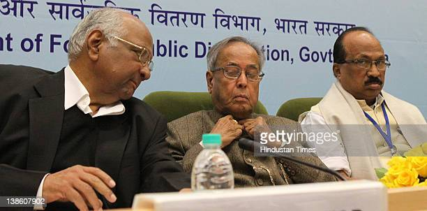 Finance Minister Pranab Mukherjee Agriculture Minister Sharad Pawar and Prof KV Thomas MoS Food and Consumer Affairs during a conference to discuss...