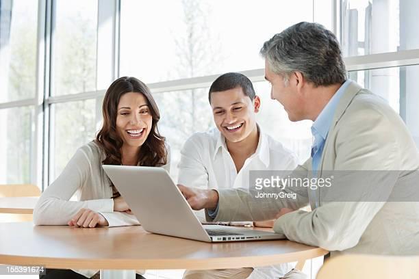 Asesor financiero pareja asesores