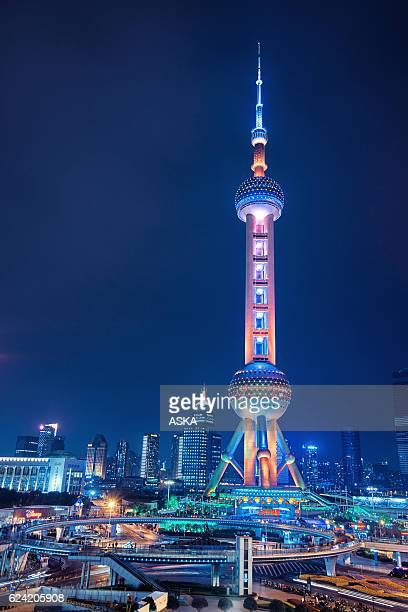 financial district of shanghai - oriental pearl tower shanghai stock pictures, royalty-free photos & images