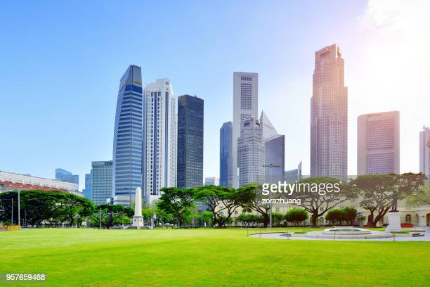 financial district skyscrapers, singapore - singapore cbd stock pictures, royalty-free photos & images