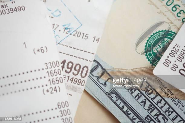 financial receipt and us dollars - レシピ帳 ストックフォトと画像