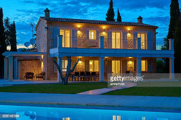 finca - spanish holiday home in evening light