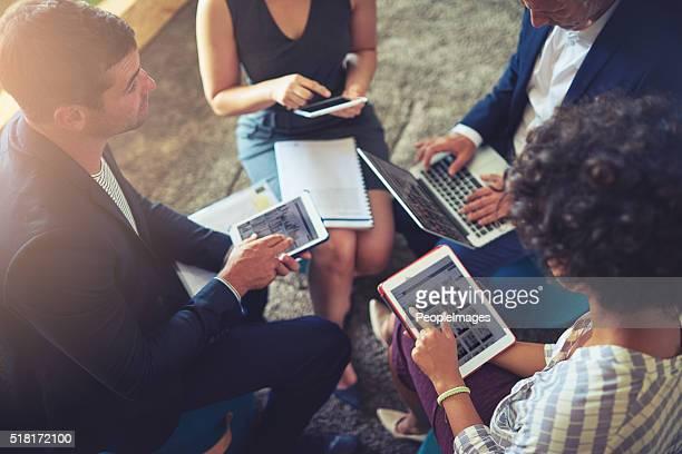 finden sie heraus, wie technologie werden ihre business - bring your own device stock-fotos und bilder