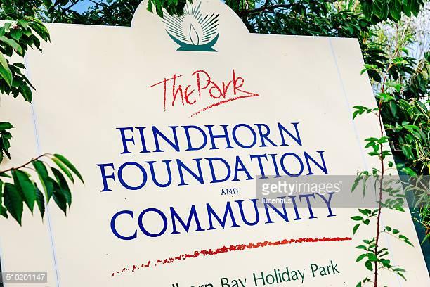 findhorn 財団入口標示、モライ、北スコットランド) - モーレイ湾 ストックフォトと画像