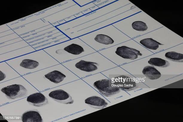 fingerprint card for the fbi criminal database - 刑事司法 ストックフォトと画像