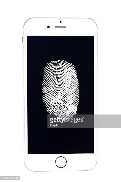 Fingerprint on apple iphone 6 gold