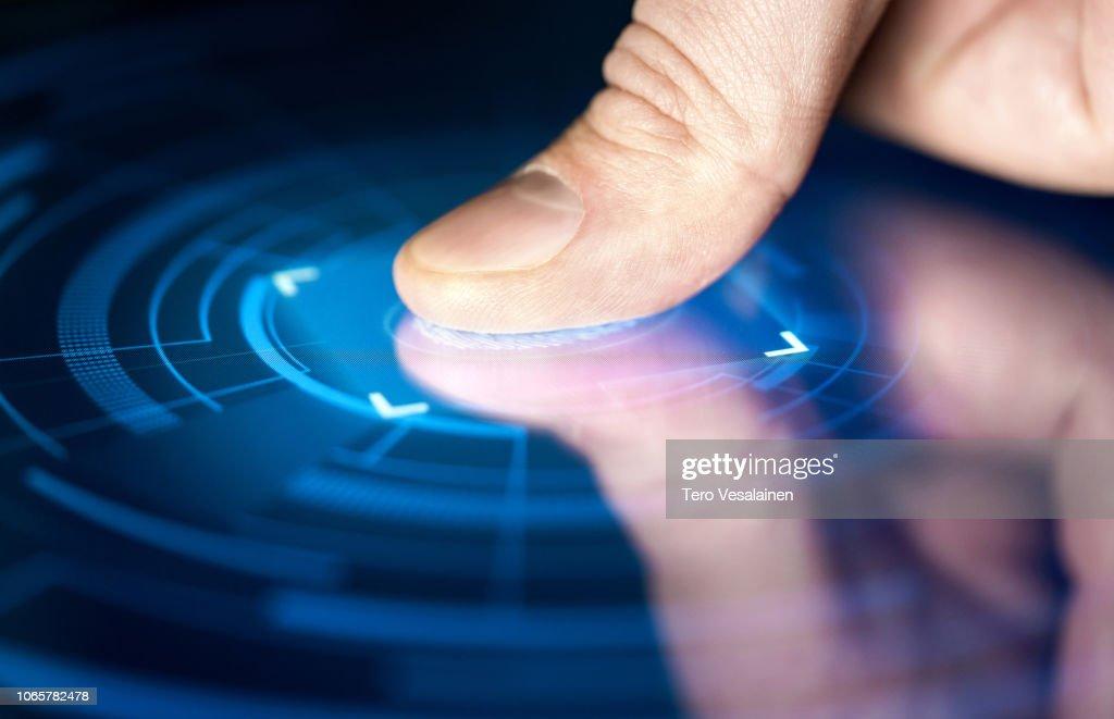 Fingerabdruck-Erkennungstechnologie für digitale biometrische Cyber-Sicherheit und Identifikation. Finger print Scan für Authentifizierung, Sicherheit und Privatsphäre. : Stock-Foto
