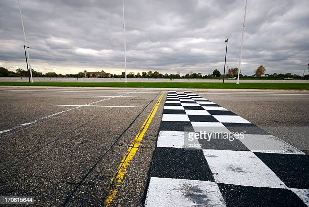 finish line (wide) - grand prix motor racing stock pictures, royalty-free photos & images