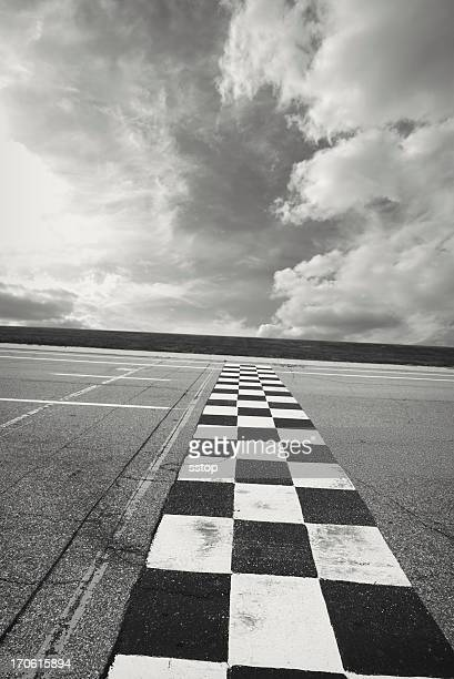 finish line - grand prix motor racing stock pictures, royalty-free photos & images