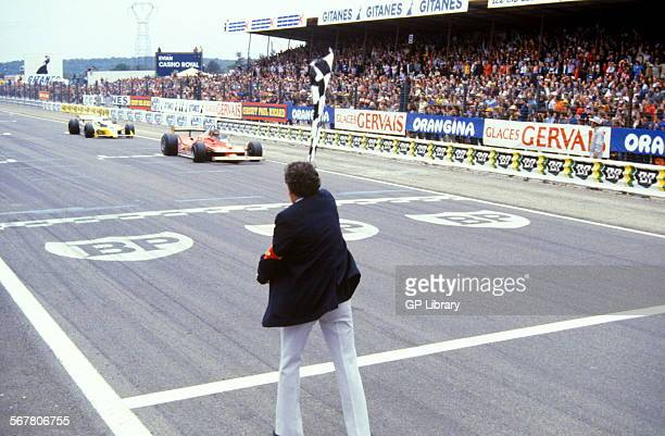 Finish of French GP at DijonPrenois Gilles Villeneuve finishing 2nd in Ferrari and Rene Arnoux finishing 3rd in Renault France 1 July 1979