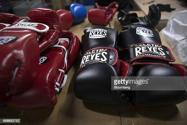 25 Inside The Cleto Reyes Boxing Glove Factory Pictures