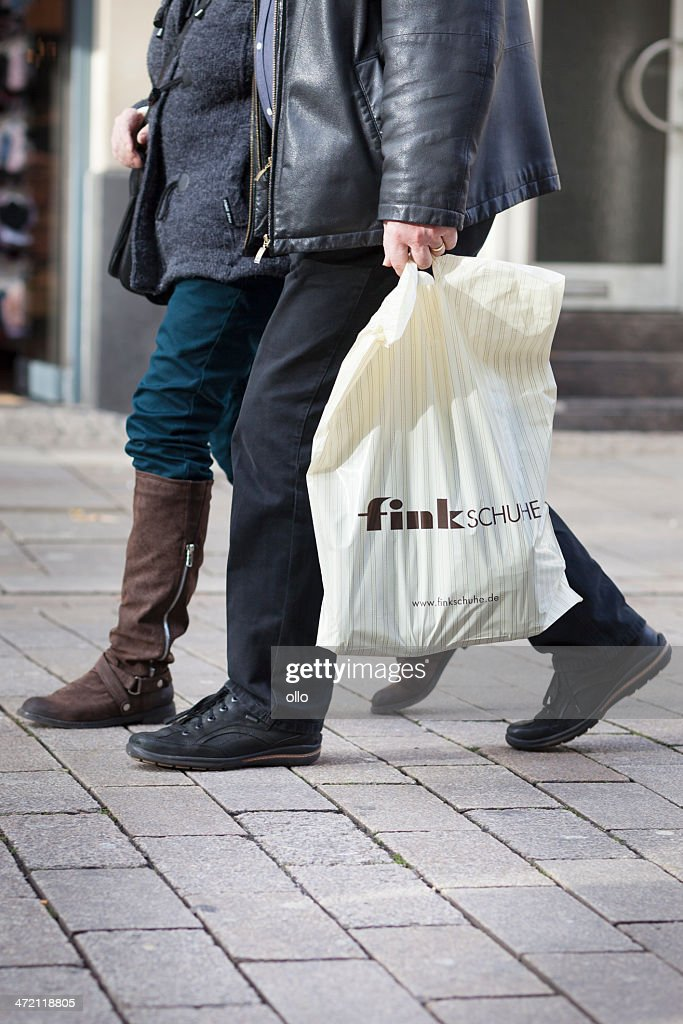 brand new b8e22 0ca7c Fink Schuhe Plastic Bag Stock Photo - Getty Images