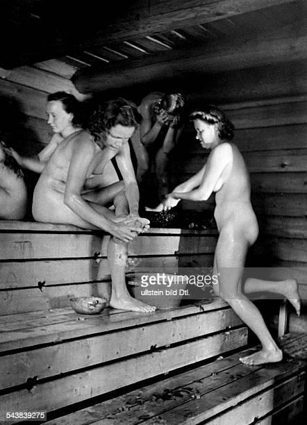 Finland Naked women in a Finnish sauna undated Photographer PresseIllustrationen Heinrich Hoffmann Vintage property of ullstein bild