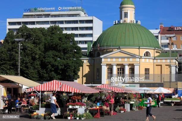 finland, turku, market square, orthodox church - turku finland stockfoto's en -beelden