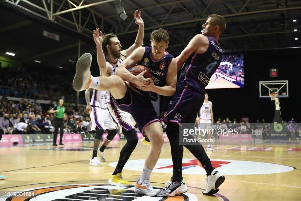 Finn Delaney of the NZ Breakers under pressure during the round 19 NBL match between the New Zealand Breakers and Sydney Kings at Trusts Stadium on...
