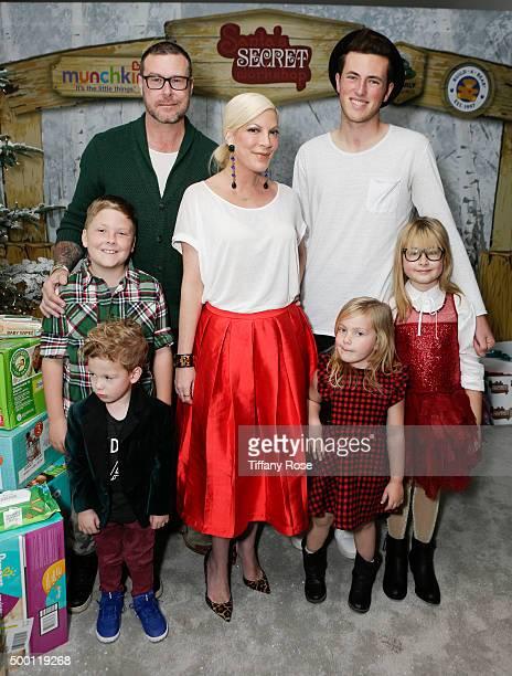 Finn McDermott; Liam McDermott, actor Dean McDermott; actress Tori Spelling; Hattie McDermott; Jack McDermott and Stella McDermott attend 2015...