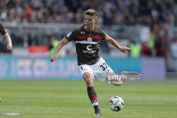 Finn Ole Becker of FC St Pauli controls the ball during the Second Bundesliga match between FC St Pauli and VfL Bochum 1848 at MillerntorStadion on...