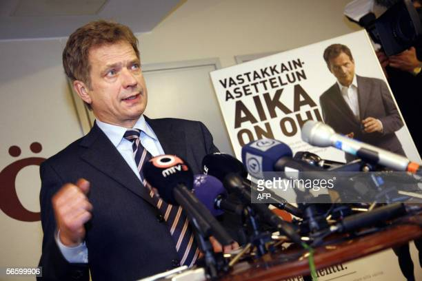 Finnish Conservative Party leader former finance minister and presidential candidate Sauli Niinistoe gives a press conference 16 January 2006 in...